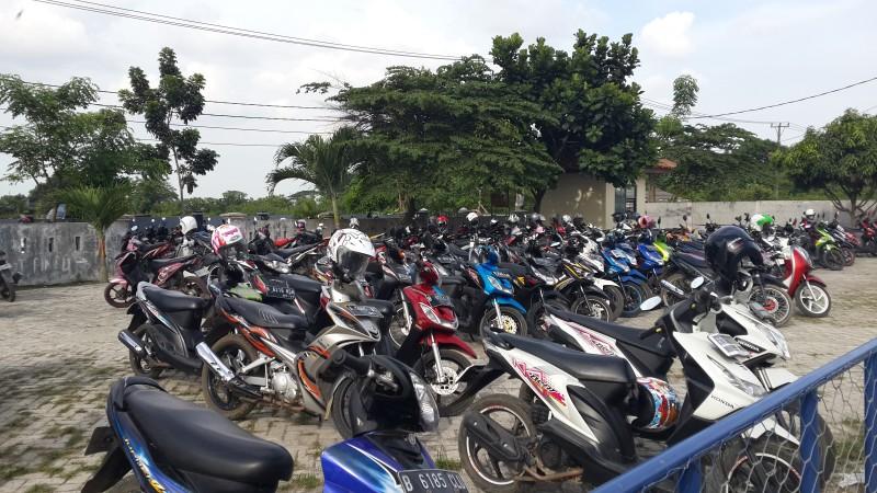 Tempat Parkir SMAN 13 Kab. Tangerang (2)