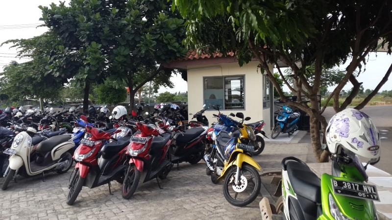 Tempat Parkir SMAN 13 Kab. Tangerang (3)