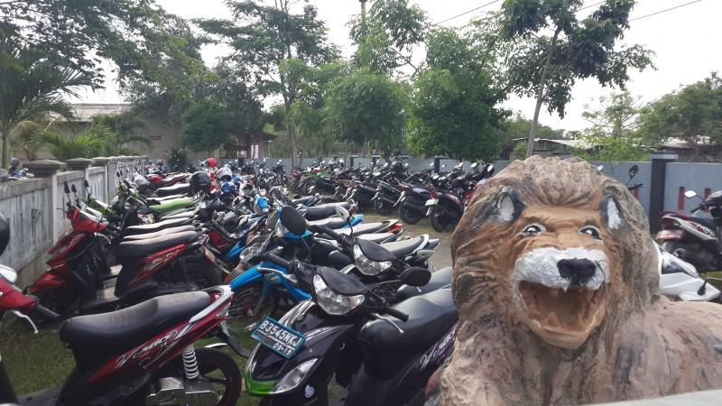 Tempat Parkir SMAN 13 Kab. Tangerang (1)